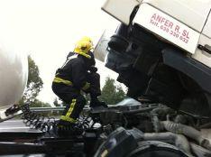 Un incendio en un camión en el Corredor do Morrazo a su paso por Moaña (Pontevedra) moviliza a los bomberos